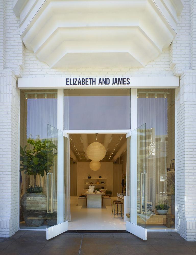 gallery-1469216079-elizabethandjames-exterior