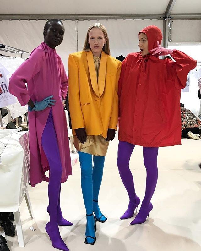 Bilde: Balenciaga SS17 - via Vogue.com