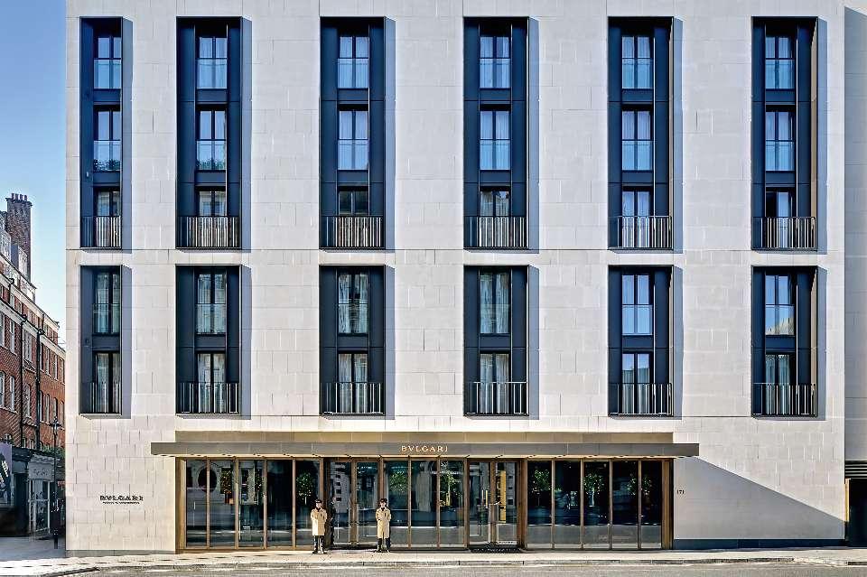 Designhotell: Fasaden til Bulgari Hotel London.