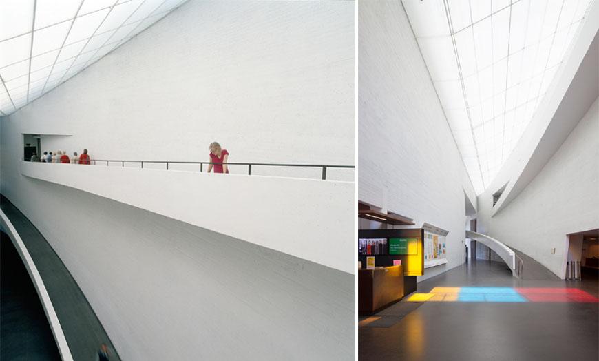 To bilder av Kiasma Museum Helsinki.
