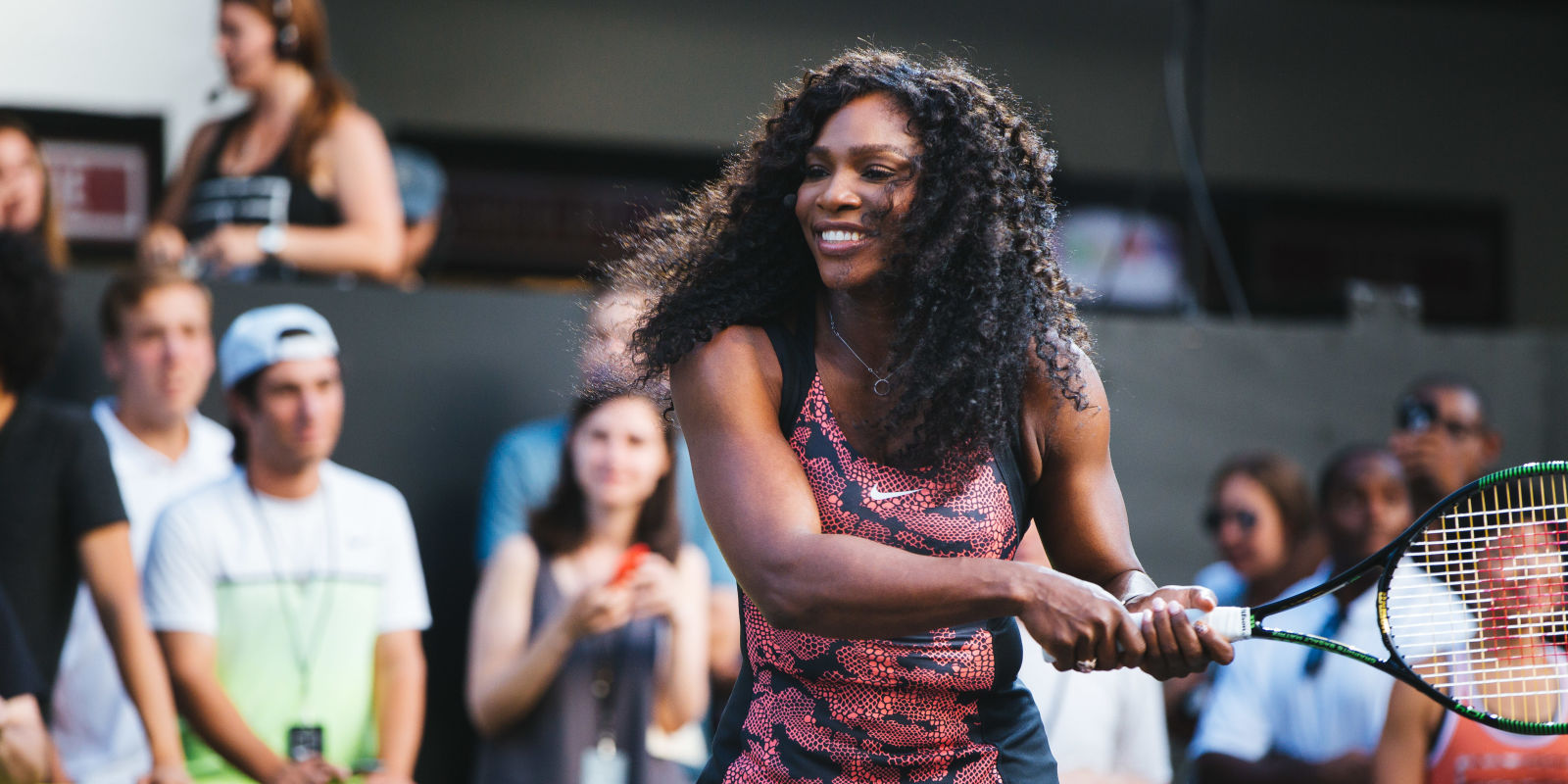 Serena Williams på banen iført Greatness Collcetion.