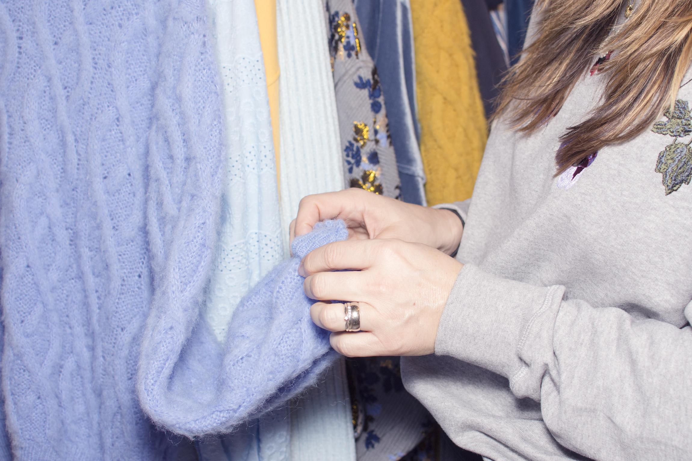Nordbæks hender og en genser