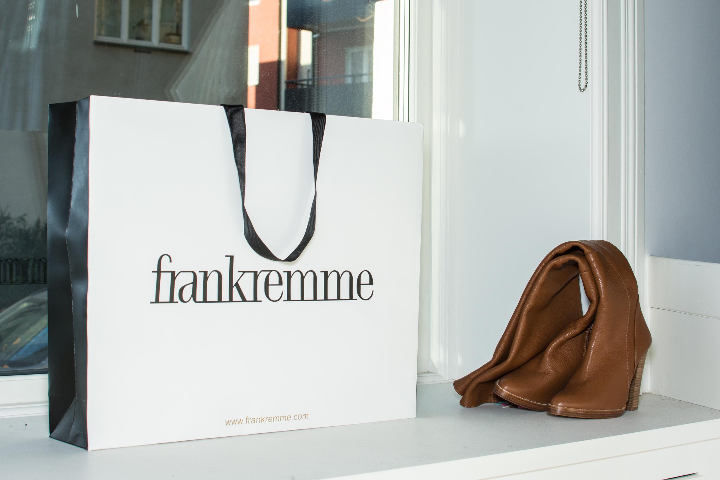 Frank Remme papirpose i vinduskarm