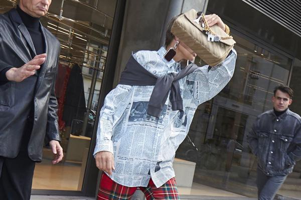 Balenciaga anklages for rasisme av kinesiske kunder