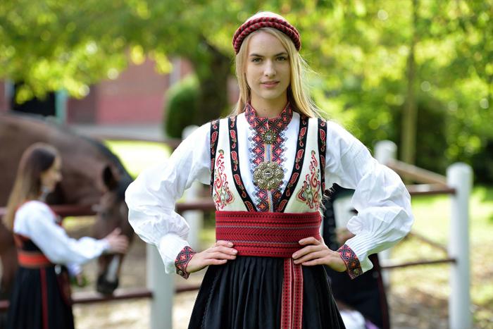 Bunadsdebatten utflagging av norske bunader til utlandet