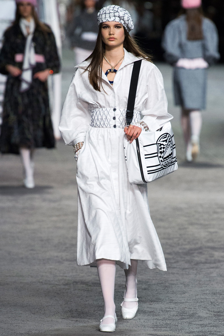 Chanel viste sin Cruise-kolleksjon i Grand Palais i Paris