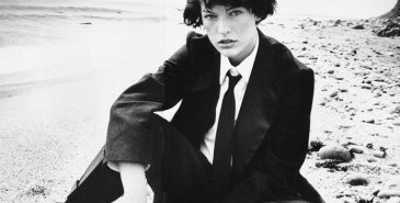 Milla Jovovich av Bob Richardson for Vogue i dressjakke