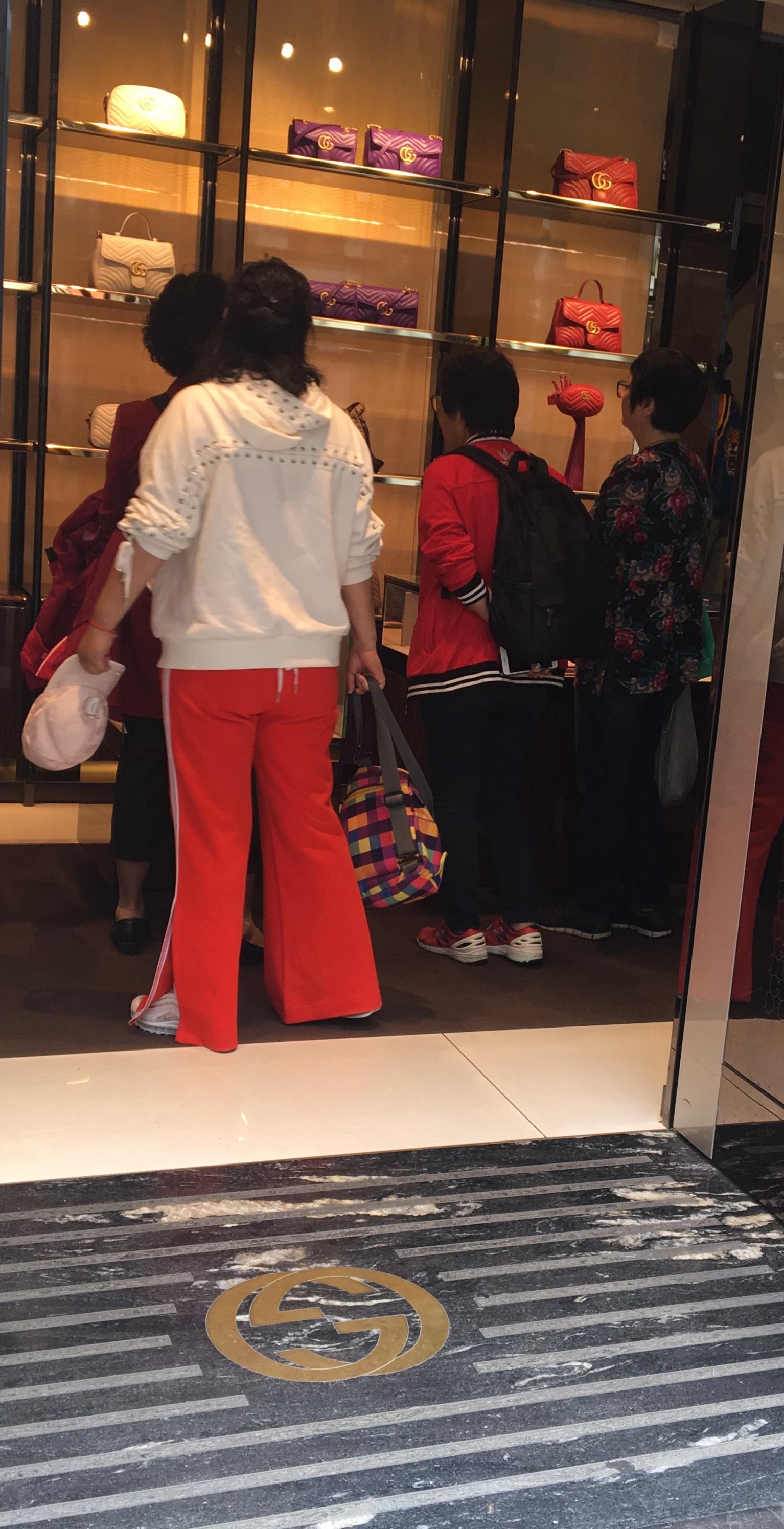 Kinesiske turister på shopping i Oslo