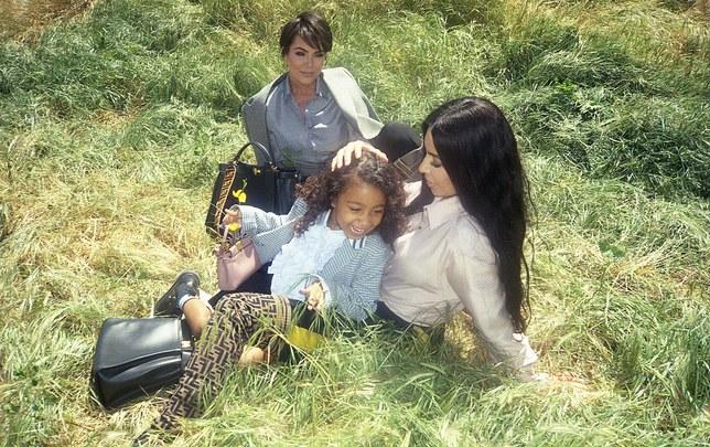 Fendi kampanje med tre generasjoner Kardashians