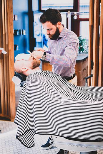 PELSPELS Barbersalong driver med grooming i Oslo.