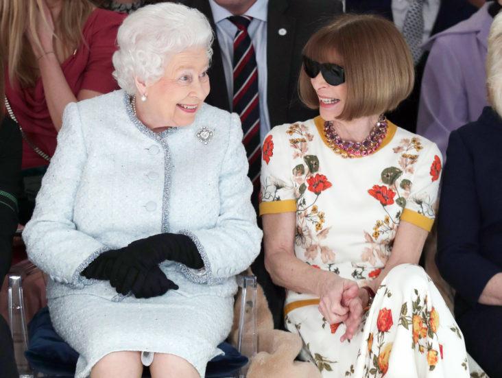 dronning elizabeth og anna wintour