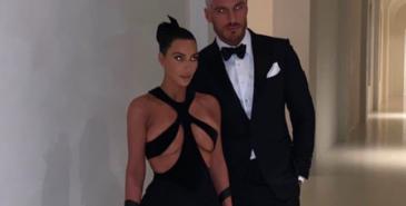 kim kardashian i en vintage mugler-kjole