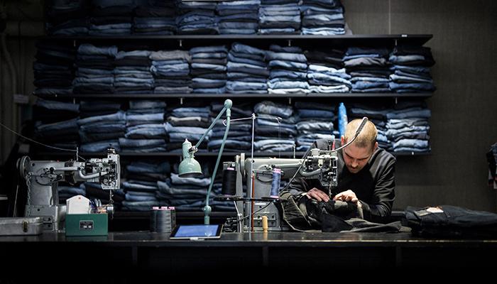 Nudie Jeans Repairshops reparerer ødelagte Nudie-jeans