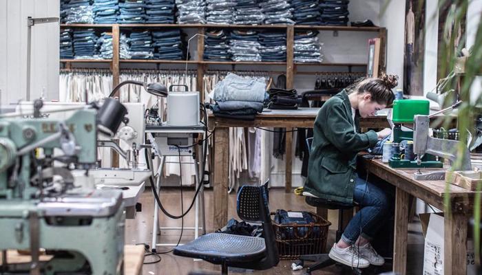 Fabrikken til Livid hvor de reparerer jeans.