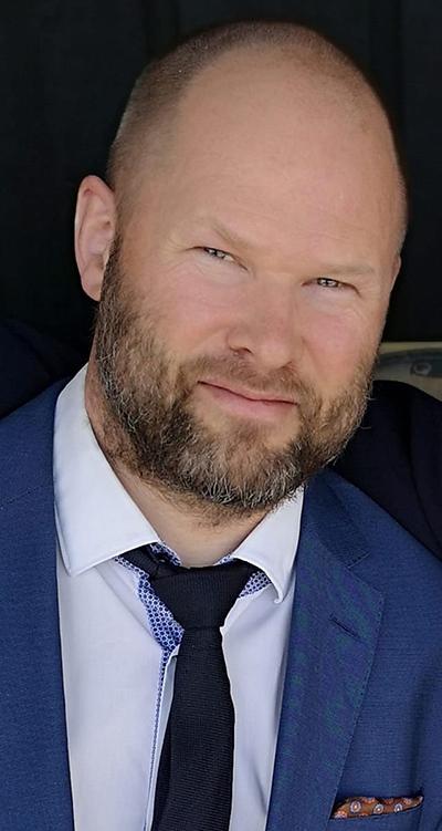 Jonas Mangerud i Heartbreak Management