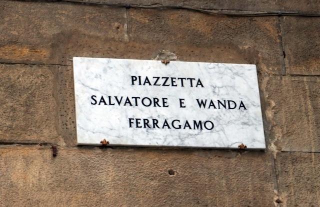 Salvatore Ferragamo og kona Wanda har nå fått en piazza i Firenze oppkalt etter seg
