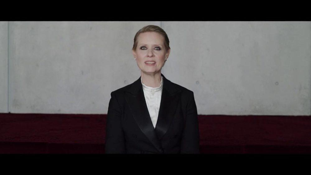 "Cynthia Nixon i videoen ""Be A Lady They Said"" Foto: screenshot"