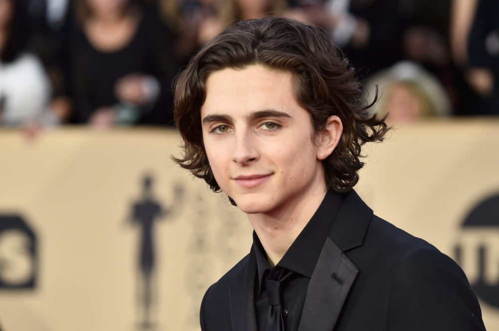 Timothee Chalamet slepes for Oscar-antrekk