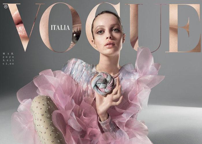 Vogue Italia med virtuell modell på coveret