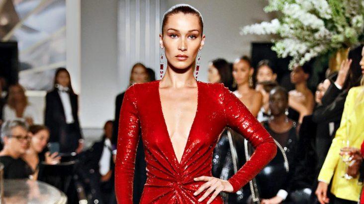 Bella Hadid på catwalken for Ralph Lauren