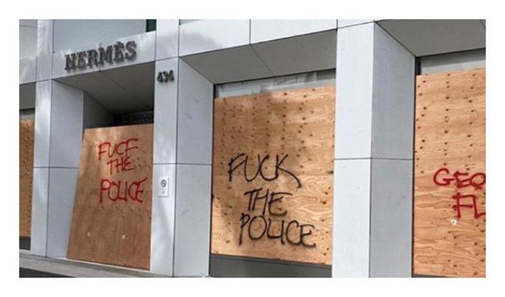 Amerikanske luksusbutikker plyndret