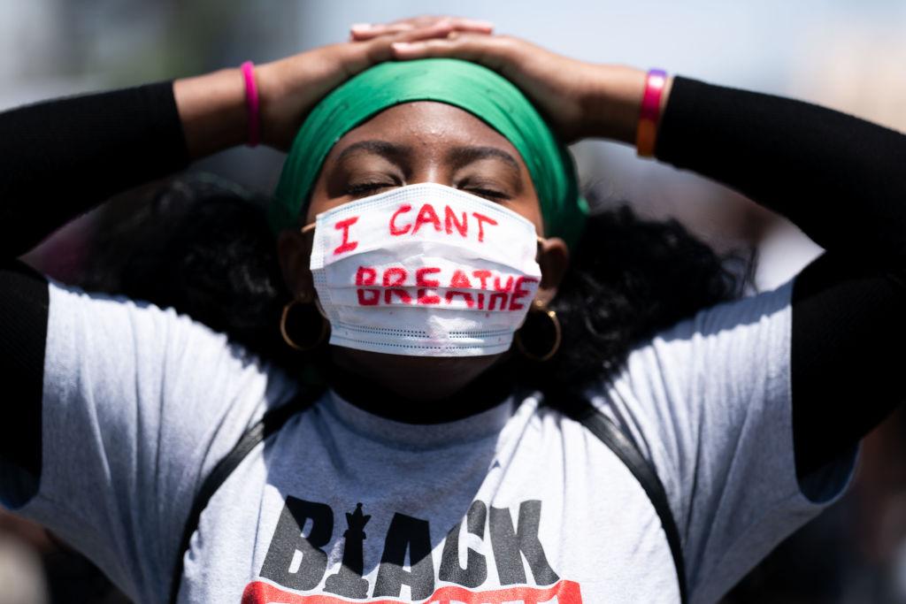 Demonstrasjon til minne for George Floyd for Black Lives Matter i West Hollywood (Kent Nishimura/Los Angeles Times/Getty)