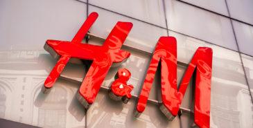 H&M med kraftig fall i omsetningen på grunn av korona