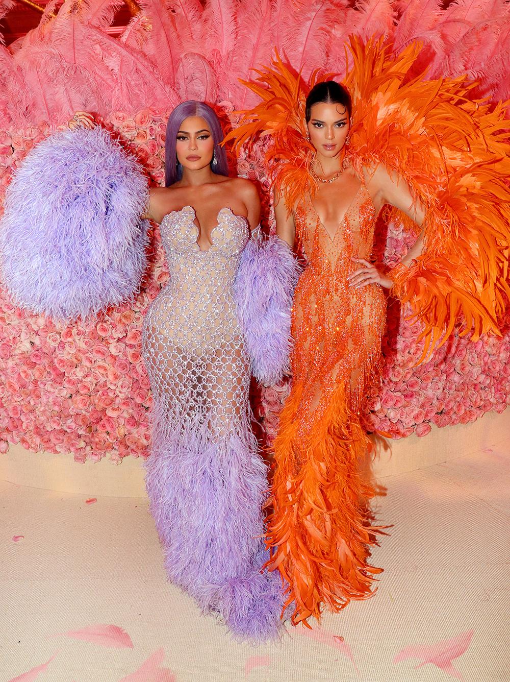 Kendall Jenner og Kylie Jenner med samarbeidskolleksjon for Kylie Cosmetics
