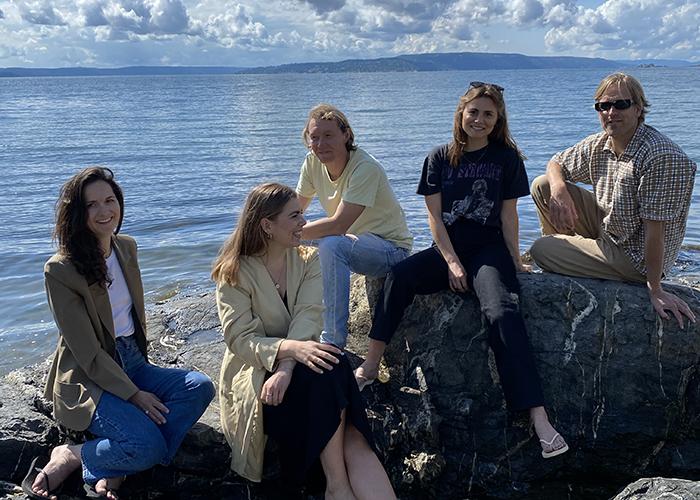 Teamet bak det norske motemerket Sleepers som lager flip flops