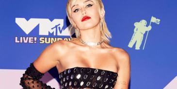 Se rød løper-antrekkene fra nattens MTV VMA