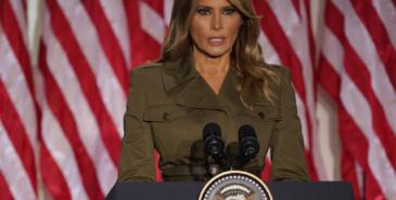 USA sin førstedame Melania Trump får kritikk for dette antrekket
