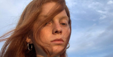 Eline Bø har landet ny kampanje for Miu Miu