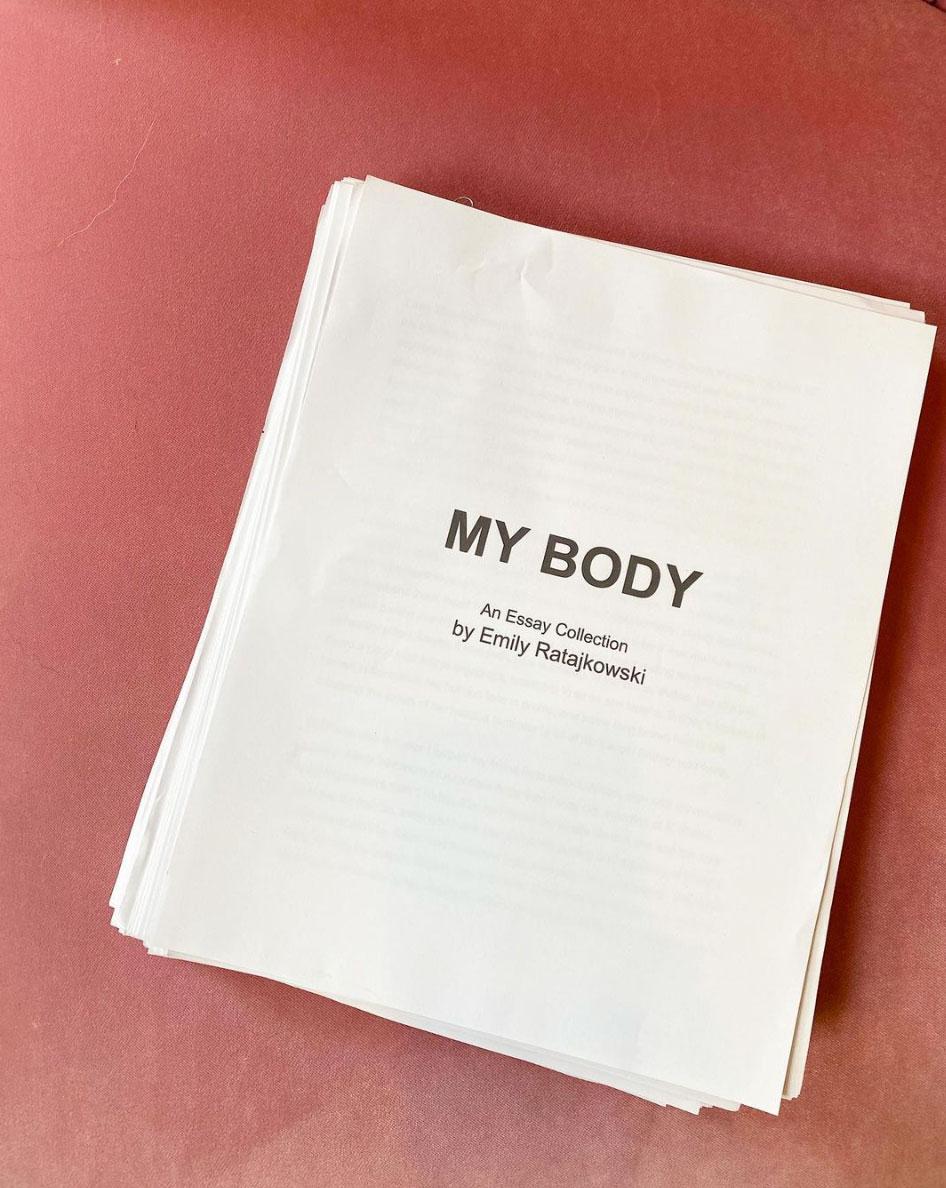 Emily Ratajkowski debuterer med bok
