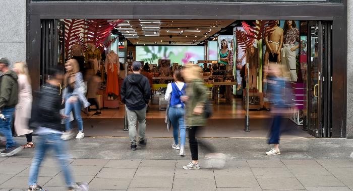 Gatebilde fra Topshop i London