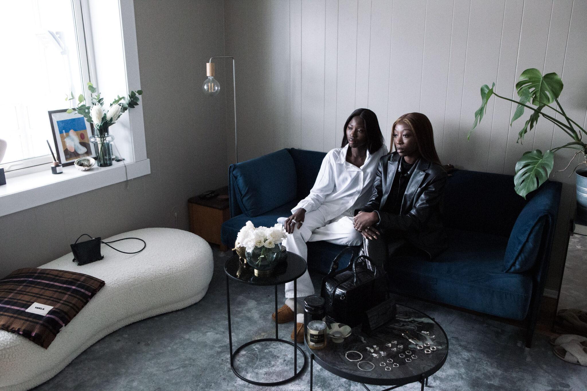 Haddy og Aissatou Ceesay står bak det norske smykkemerket Diawéne