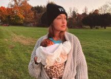 Gigi Hadid åpner opp om fødselen og mammalivet