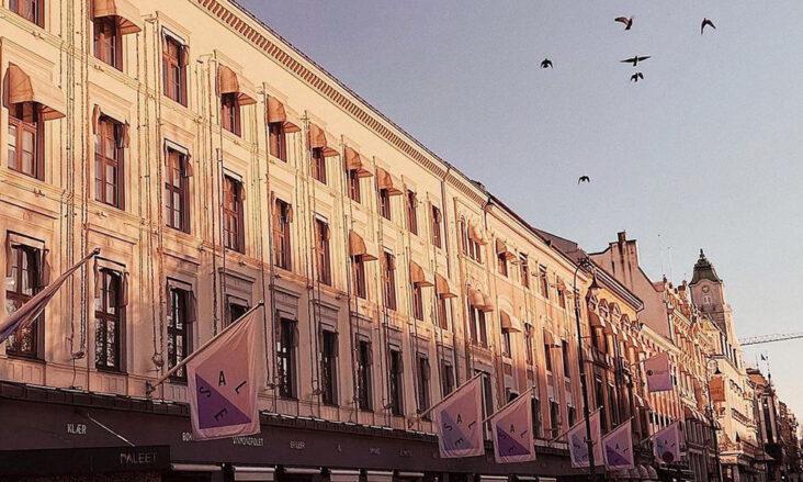 Varehus og kjøpesentre i Oslo må fortsatt holde stengt