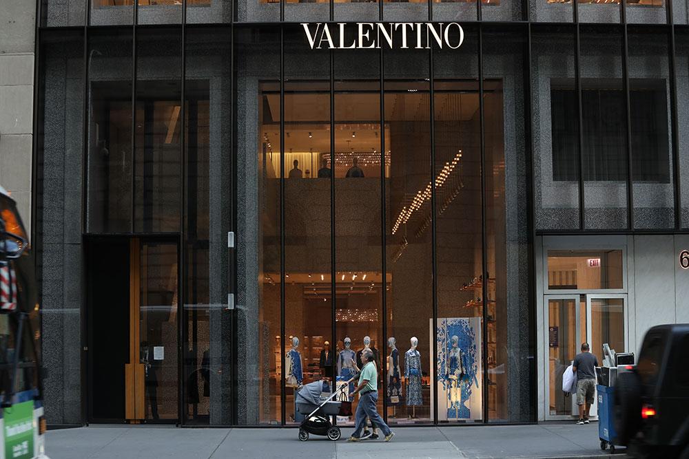 Valentino saksøkes