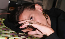 Zuzana Sputova lager smykker for Arket