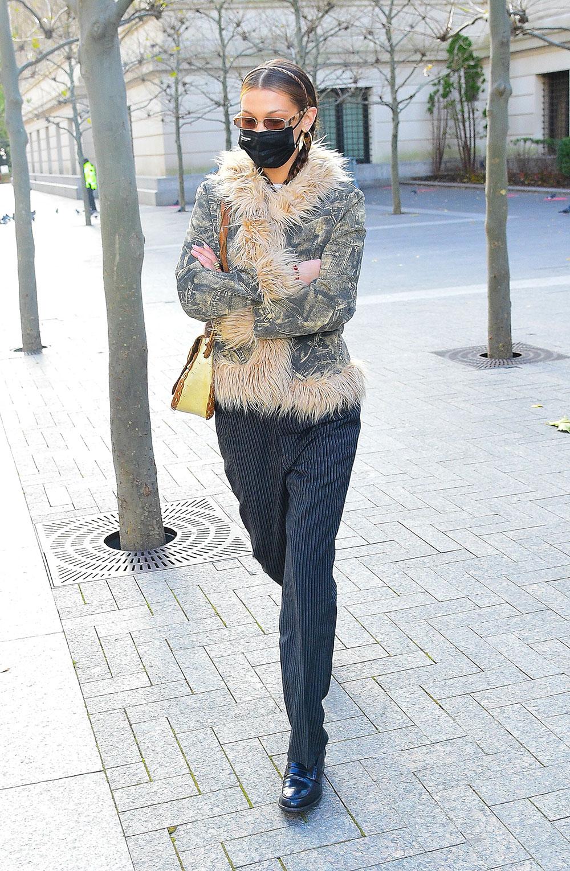 Smale hårbøyler trender, som her på Bella Hadid