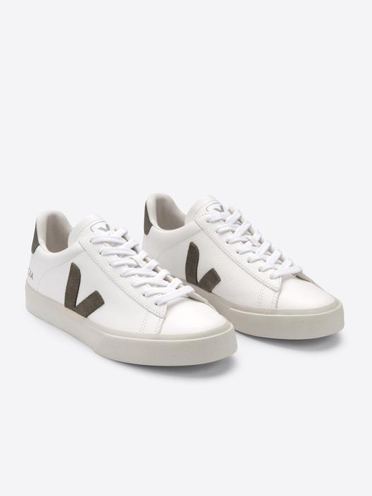 13 par vårlige hvite sneakers