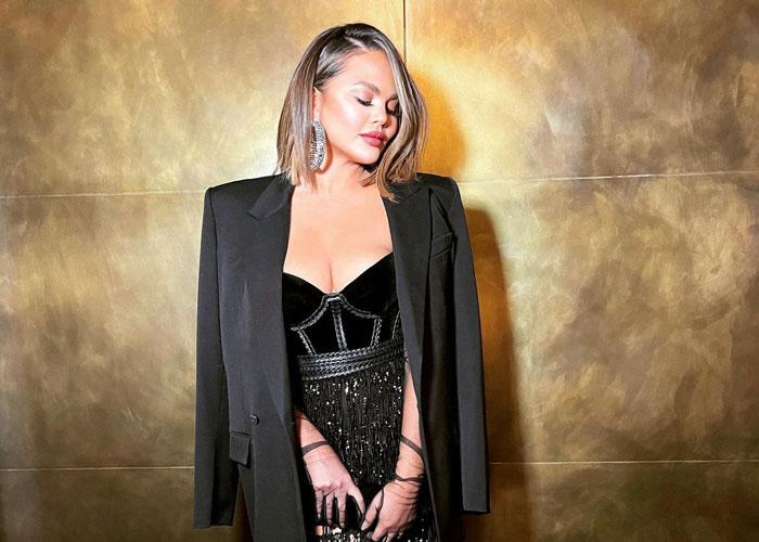 Chrissy Teigen valgte norsk design under Grammy Awards 2021