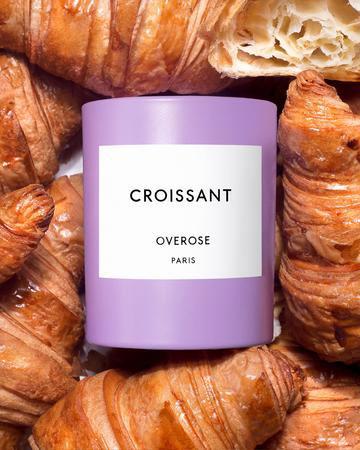 Overose med duftlys som lukter av croissanter
