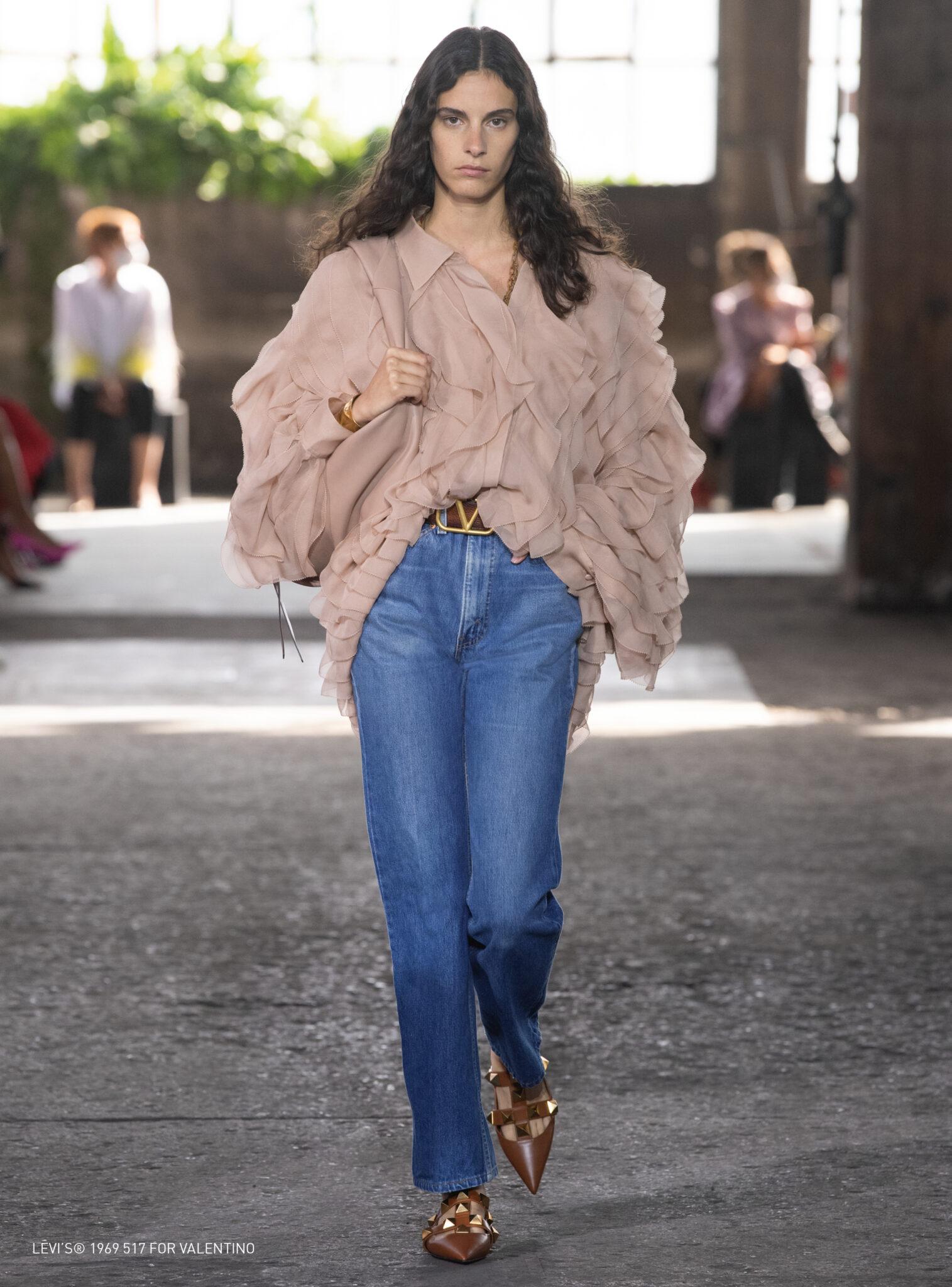 Valentino re-vamper den ikoniske Levi's 517-jeansen