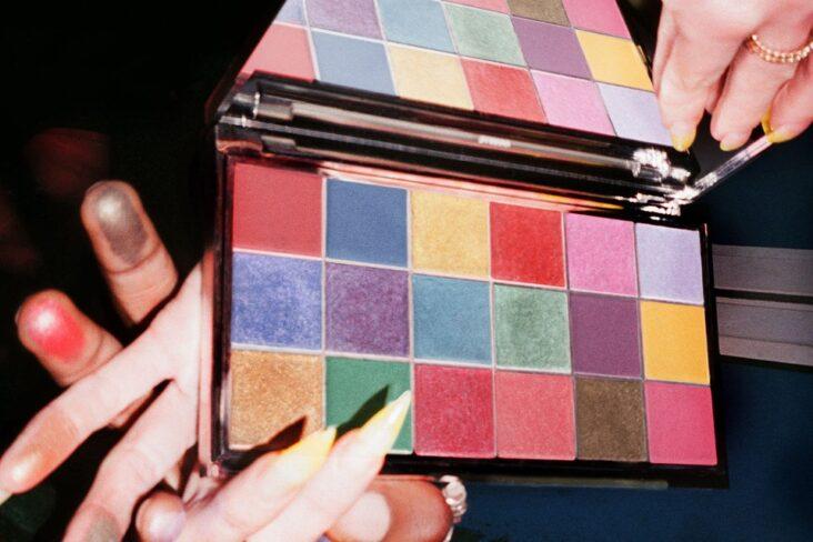 Fargerike skjønnhetsprodukter