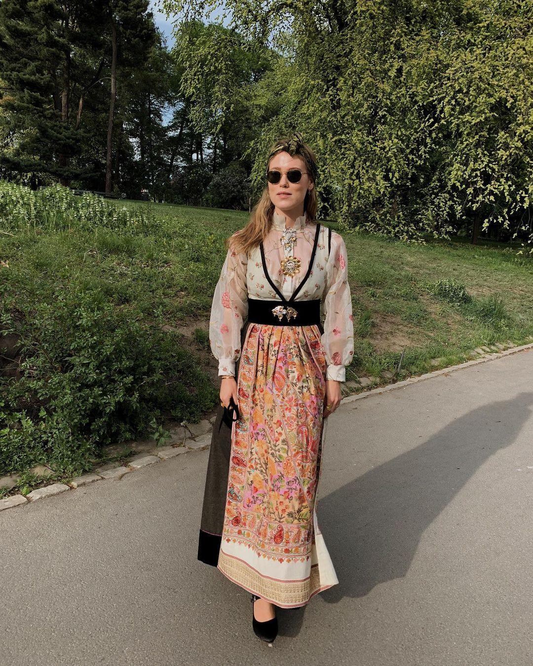 Annabel Rosendahl i fantasistakk