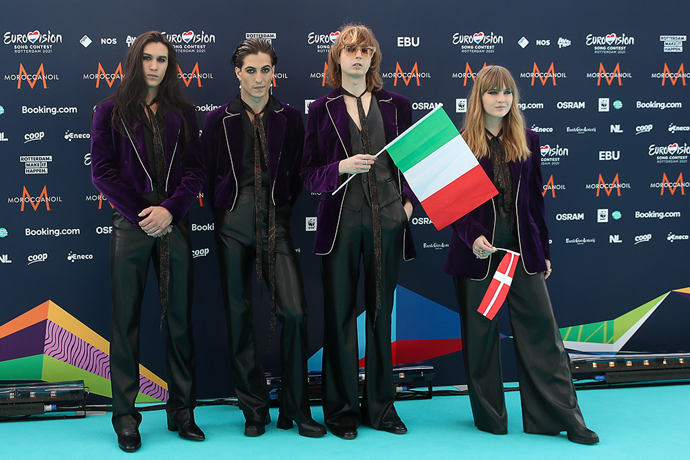 Måneskin under åpningsseremonien til årets Eurovision Song Contest