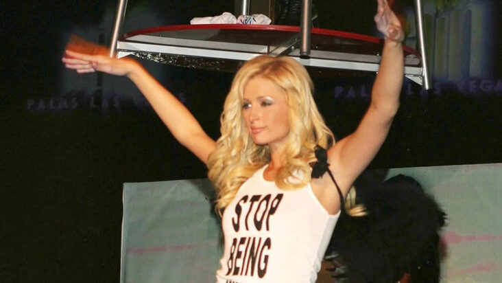 Paris Hilton sin stop being poor-topp er fake