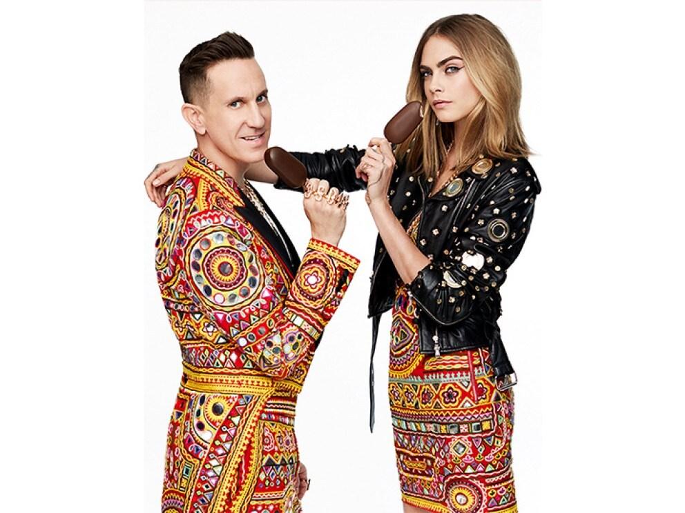 Moschino-designer Jeremy Scott og Cara Delevingne