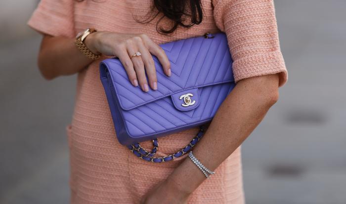 Chanel øker prisen på veskene sine - igjen